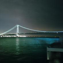 明石海峡大橋を通過、神戸側はグリーン