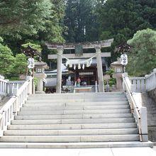 正面の階段