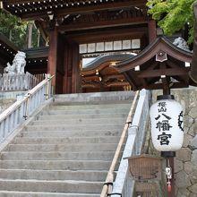 山門付近の階段