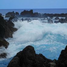 素晴らしい景色の背景に津波で消えた集落