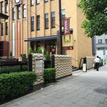 京都国際マンガミュージアム、外観。