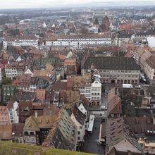 屋上から眺める世界遺産「グラン ディル」