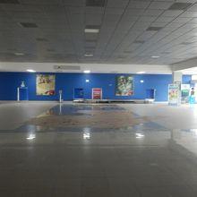ムンド マヤ国際空港 (FRS) 写真...