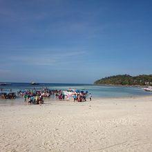 リペ島で一番賑やかなビーチ