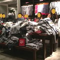 写真:アバクロンビー & フィッチ (アラモアナセンター店)
