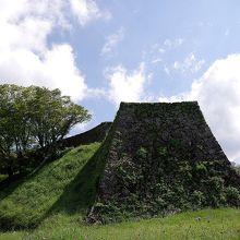 津和野城跡の城壁の様子です。