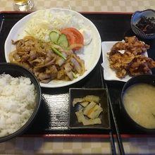 レストランでいただいた生姜焼き定食