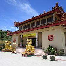 小ぢんまりとした仏教寺院