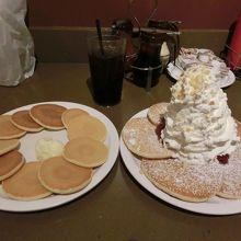イチゴパンケーキとシルバーパンケーキ