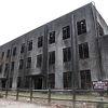 巨大な鉄筋コンクリートの廃墟