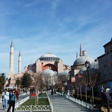 イスタンブール歴史地域 クチコ...