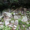 写真:楢本磨崖仏、下市磨崖仏