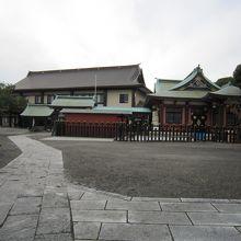4社殿と広場