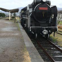 旧大社駅、D51774が置かれています。
