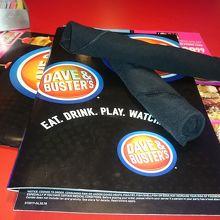 お酒を飲みながらゲームができる!