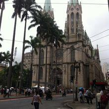 サンパウロの中心にあります。