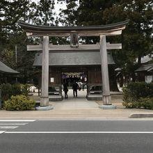 八重垣神社、石鳥居。