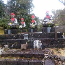 五智如来石像です。