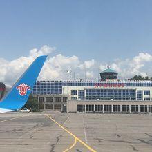ドゥシャンベ空港 (DYU) クチコ...