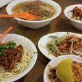 写真:四方阿九魯肉飯