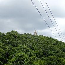 山頂に弘法大師さまの像