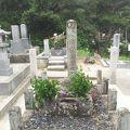 写真:出雲阿国の墓