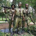 写真:ベトナム戦争戦没者慰霊碑