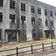 毒ガス施設に電力供給していた廃墟