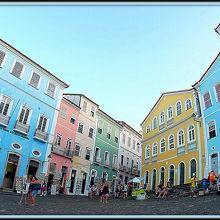うぅぅ〜ん...何というか....確かに歴史的な場所ですが.....薄汚れている世界遺産、夜は超危ねぇし...(サルバドール/バイーア州/ブラジル)