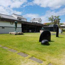 日本の西洋画と現代アート