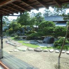 日本庭園が素敵です。