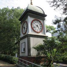 入船山記念館の周辺が緑豊かな公園になっています。