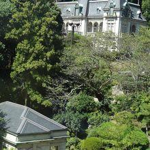 ミュージアム内部は撮影禁止。庭に明治の建築物「萬翠荘」をのぞ