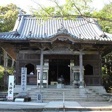 歴史と趣きを感じる伽藍が多いお寺