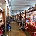 写真:ハカニエミ マーケット広場、屋内マーケット