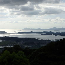 折り重なる島々の景色が美しい