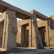 レリーフが面白い神殿