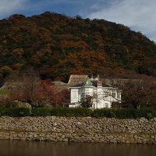 鳥取城跡の南側に建つ美しい洋館