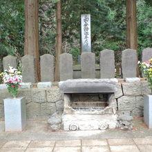 十九のお墓が並んでいます