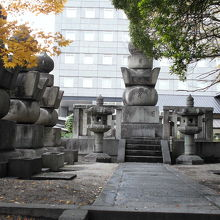 黒田家の墓所になっています。