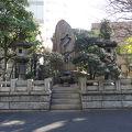 写真:回向院相撲関係石碑群 (力塚)