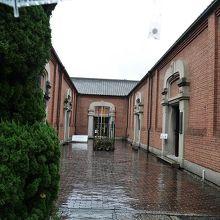 紡績工場の倉庫を改装した記念館