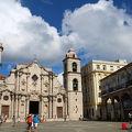 写真:ハバナ大聖堂