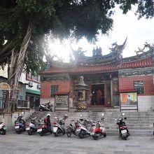 台湾最古の観音廟だときいて、ありがたみも増した。