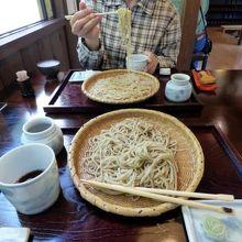 笊蕎麦 三つ割り菊 (ざるそば みつわりぎく)の昼食