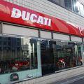 写真:DUCATI モトコルセ ショールーム