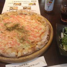 昼から焼きたてピザ