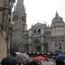 見事な聖堂を持つカテドラル