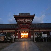 美しい社殿