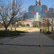 扇町公園と関西テレビ